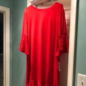 LuLaRoe BRAND NEW Maurine Large RED lace sleeves